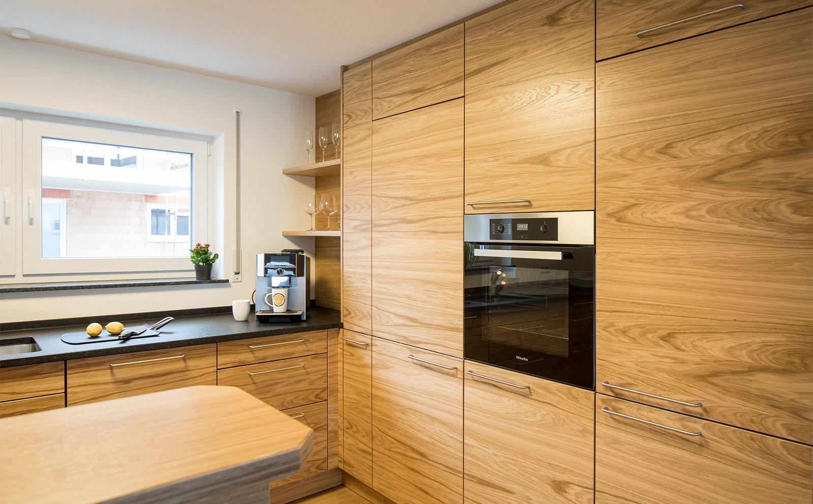 Speisekammertür in Küchenoptik