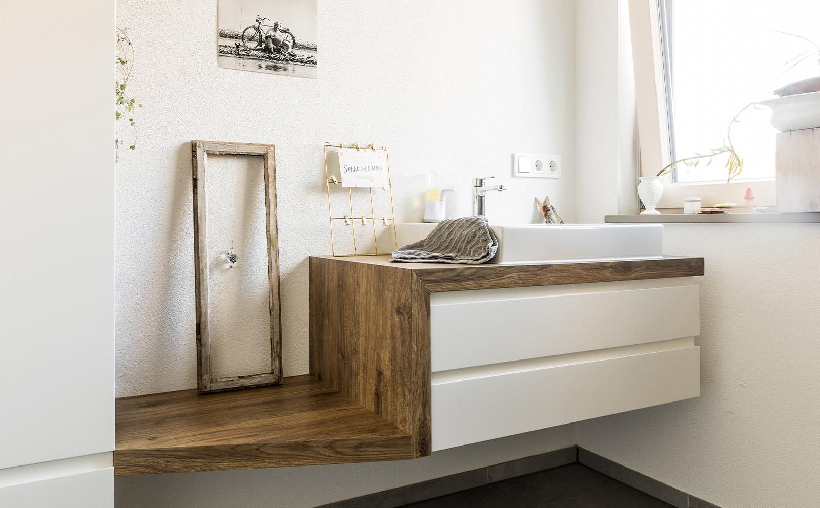 Waschtich aus Holz